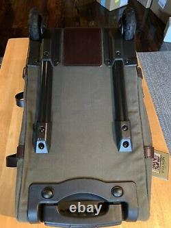 NWT Filson Small Otter Green Rolling Duffle